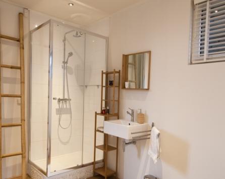 Room on luxury houseboat close to Jordaan photo 36869